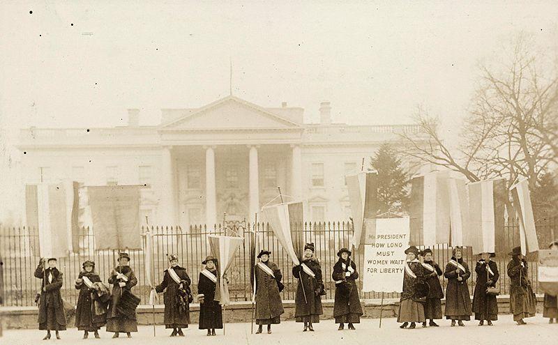 <p>National Womens's Party ante la Casa Blanca.</p> <p></p> <p></p>