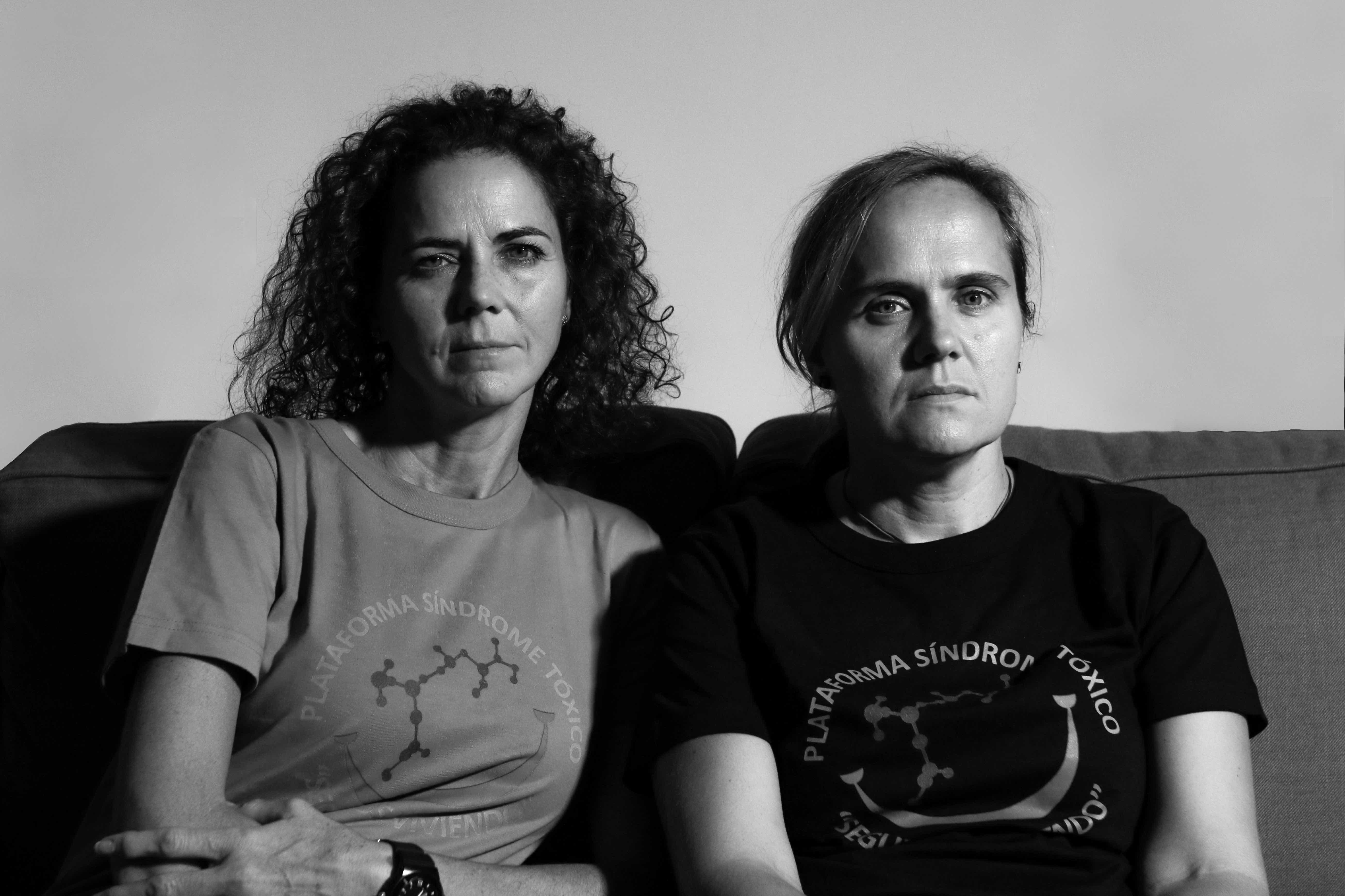 <p>Pilar y Juana Higes Pastor. Edad: 45 y 44. Edad a la que enfermaron: 10 y 9. Síntomas actuales: problemas en las articulaciones y colesterol elevado.</p>