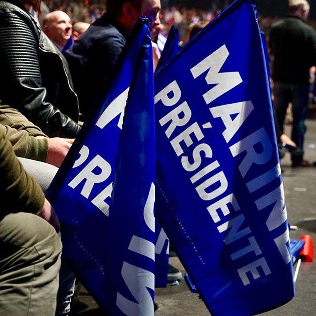 <p>Simpatizantes del FN, en el mitin de Marine Le Pen en Lille.</p>