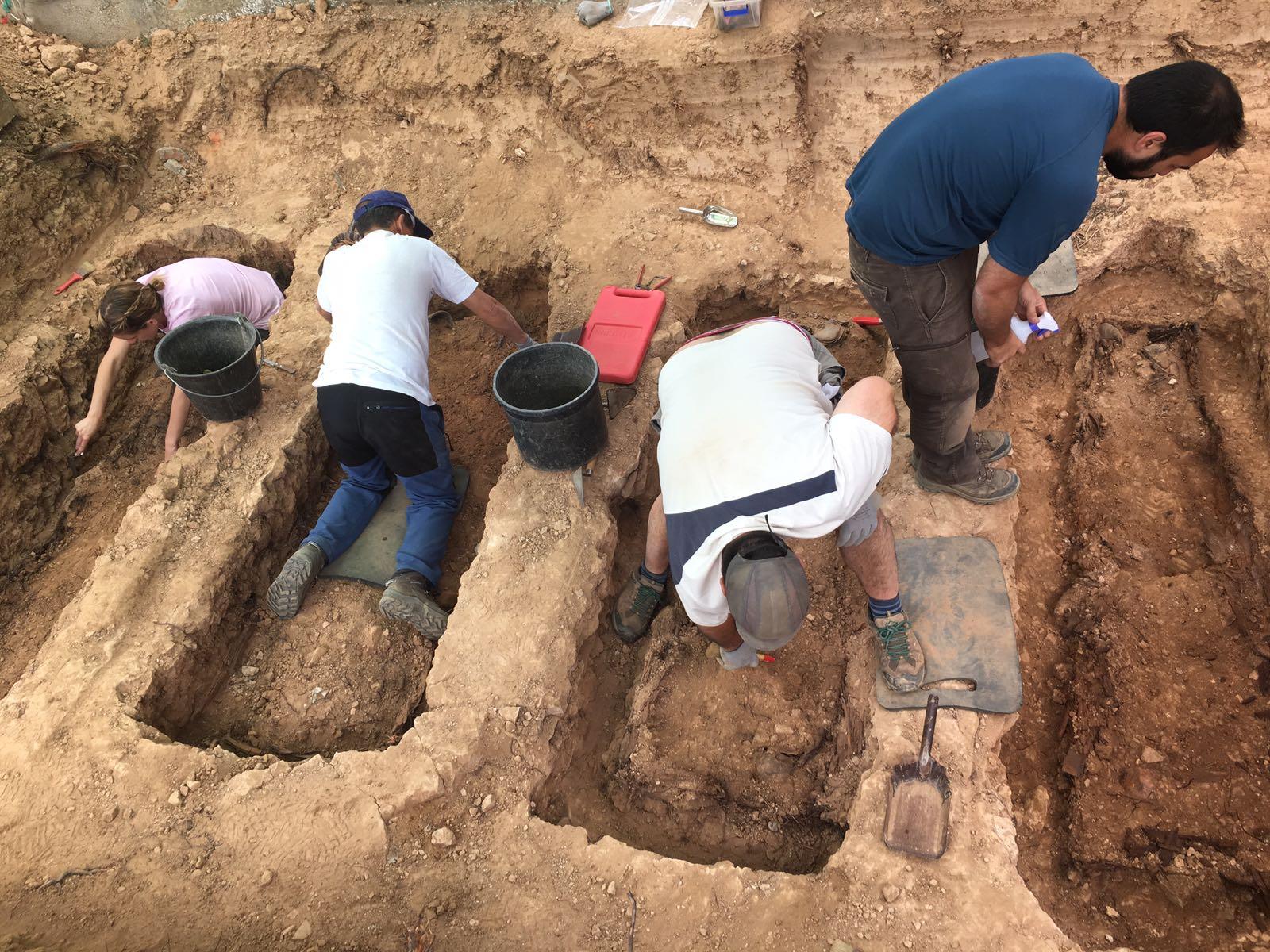 <p>Exhumación de cuatro fosas individuales en el cementerio de Guadalajara.</p>