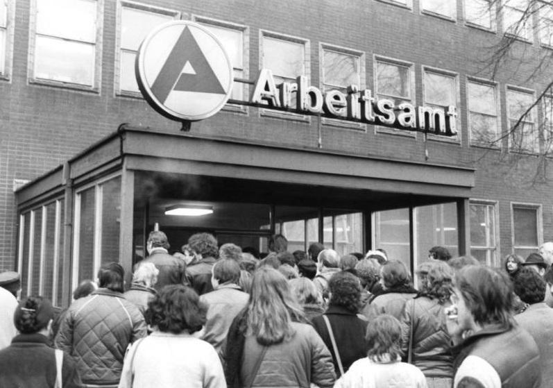 <p>Oficina de empleo en Berlín Oeste (1982).</p>