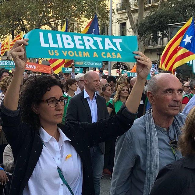 <p>Marta Rovira, en la manifestación del pasado 21 de octubre parareclamar la libertad de Jordi Sànchez y Jordi Cuixart.</p>