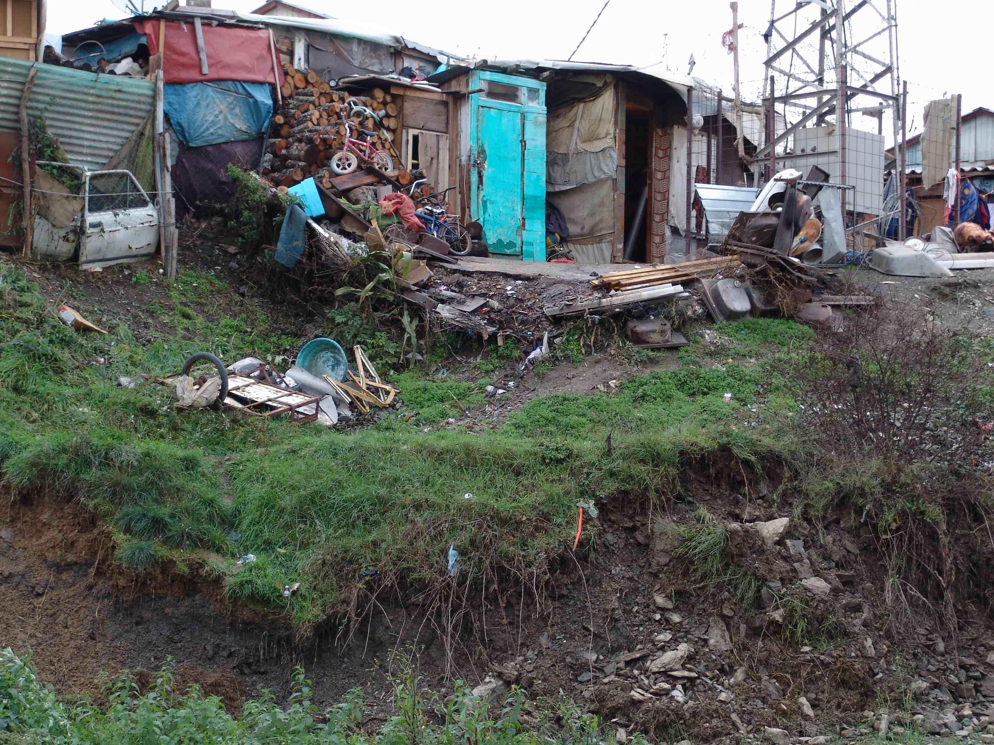 <p>Campo de desplazados de Cesmin Lug.</p>